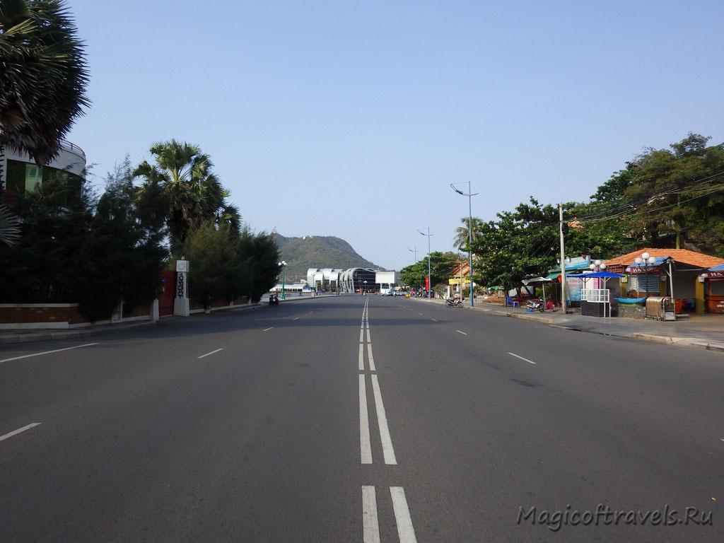 wide-street15