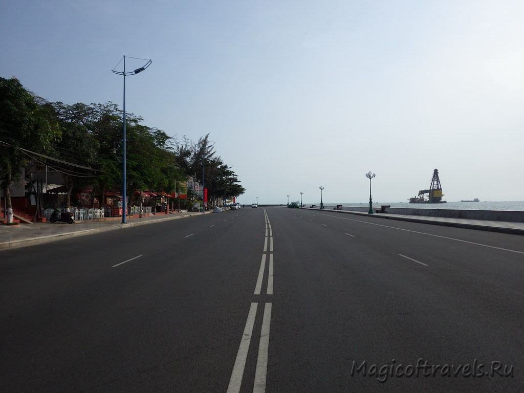wide-street16